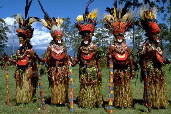 Аборигены и владельцы клиник. Что общего у некоторых из них?